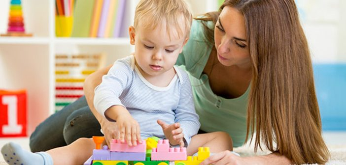 Vrei sa lucrezi ca babysitter? Iata tot ce trebuie sa stii despre aceasta meserie