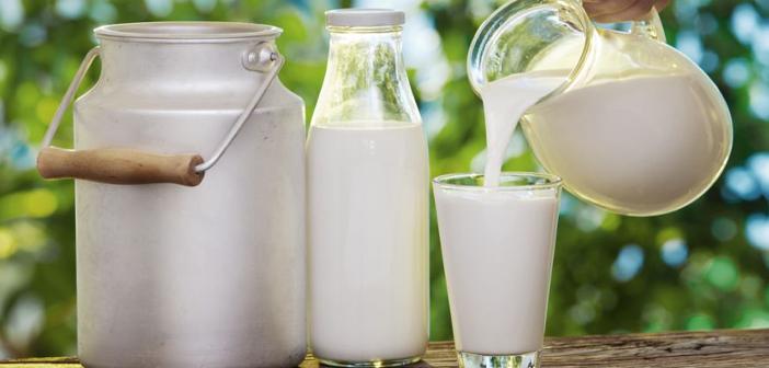 Rețeta de lapte acru făcut în casă – gustul copilăriei